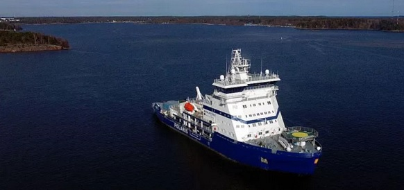 https://neftegaz.ru/images/Polaris%20is%20the%20world%E2%80%99s%20first%20LNG-powered%20icebreaker.jpg