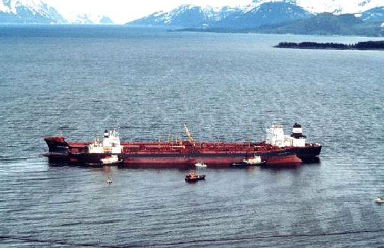 Разлив нефти на танкере SAFER приведет к экологической катастрофе в Красном море