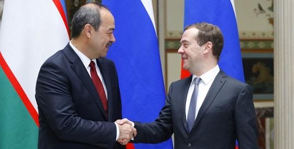 «Газпром» желает получать газ изУзбекистана посреднесрочному договору