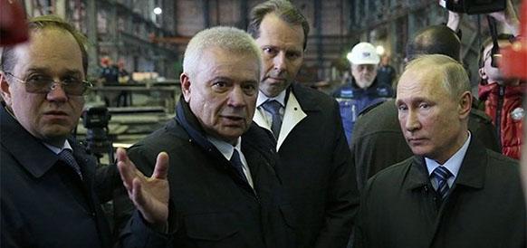 Глава ЛУКОЙЛа Вагит Алекперов и президент РФ Владимир Путин