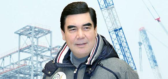 Президент Туркменистана Гурбангулы Бердымухамедов на строительстве завода по производству бензина из природного газа в Овадандепе