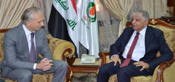 Генеральный директор Газпром нефти Александр Дюков и министр нефтяной промышленности Ирака Джабар аль-Люиби