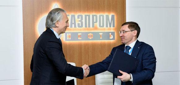 Гендиректор Газпром нефти Александр Дюков и губернатор Тюменской области Владимир Якушев