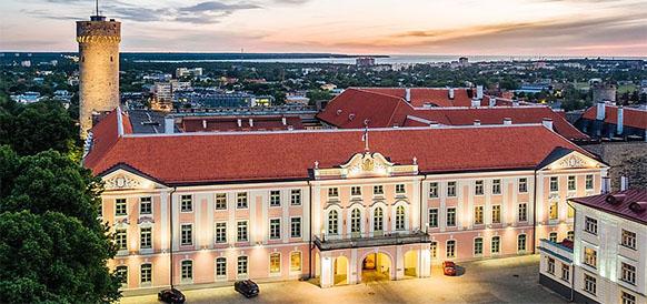 Здание Рийгикогу (парламент Эстонии)