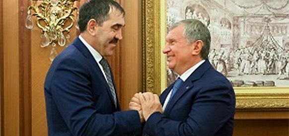 Глава республики Ингушетия Юнус-бек Евкуров и глава Роснефти Игорь Сечин