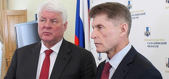Заместитель председателя правления Газпрома Валерий Голубев и губернатор Сахалинской области Олег Кожемяко