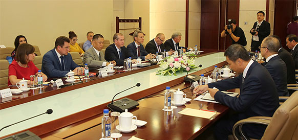 Делегация Иркутской области и CNPC на встрече в рамках COIFAIR-2016