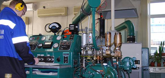 Контроль качества топлива на работающем двигателе на Московском НПЗ