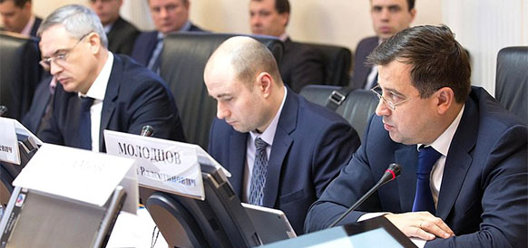 Замминистра энергетики РФ Кирилл Молодцов на круглом столе в Совете Федерации РФ