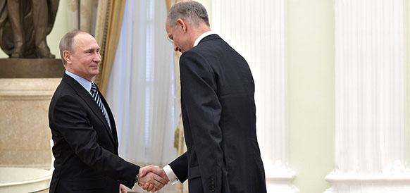 Президент РФ Владимир Путин и предправления BASF Курт Бок