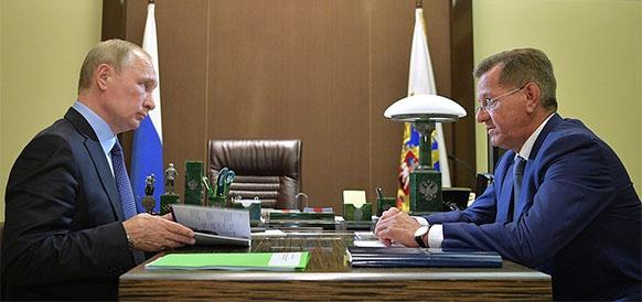 Президент РФ Владимир Путин и губернатор Астраханской области Александр Жилкин