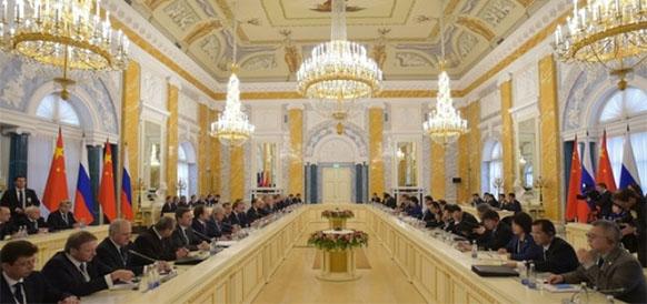 Встреча председателя правительства РФ Д. Медведева и премьера госсовета Китая Л. Кэцяна 7 ноября 2016 г
