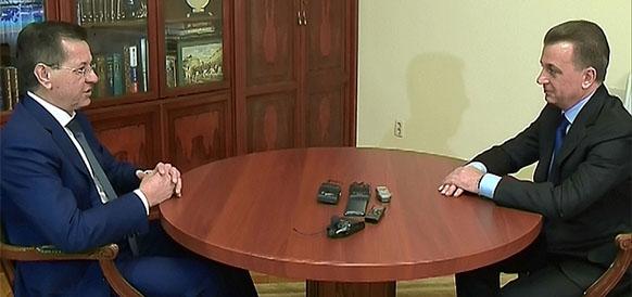 губернатор Астраханской области Александр Жилкин и гендиректор Газпром добыча Астрахань Андрей Мельниченко