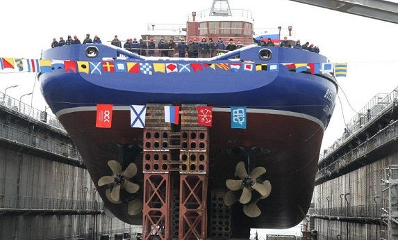 В северной столице спустили наводу новый арктический корабль «Всеволод Бобров»