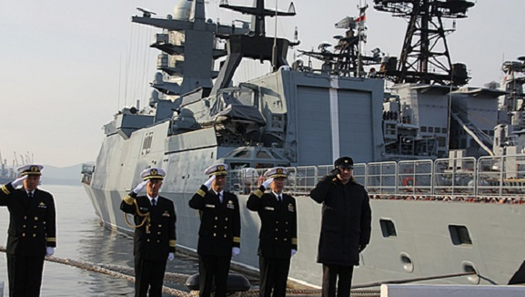 Эсминец Hamagiri Морских сил самообороны Японии прибыл впорт Владивосток