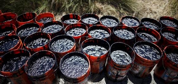 Под Саратовом обнаружили нелегальный мини-завод по переработке нефти