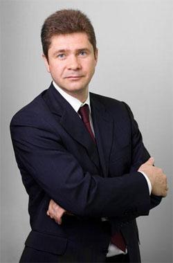 Sergey Merzlyakov Member of SIBUR LLC Management Board Vice President, Managing director, Plastics and Organic Synthesis Business Unit