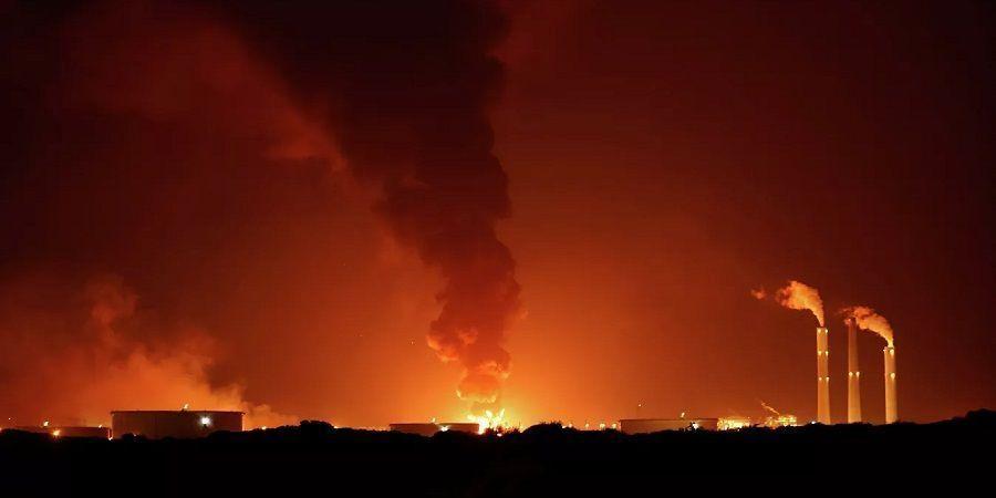 На израильском нефтепроводе Эйлат - Ашкелон возник пожар после ракетного обстрела из сектора Газа (ВИДЕО)