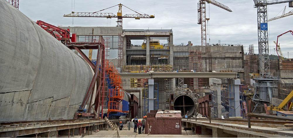 Начата основная стадия работ по выравниванию здания Загорской ГАЭС-2