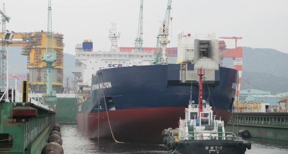Новый танкер класса Arc7 «Штурман Малыгин», строящийся для Газпром нефти, спущен на воду