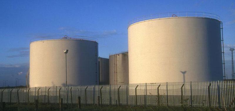 Нефть может заполнить все нефтехранилища мира к февралю 2016 г?