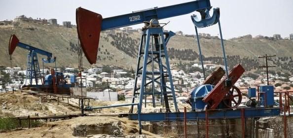 Коммерческие запасы нефти в США неожиданно для всех сократились. Но не намного