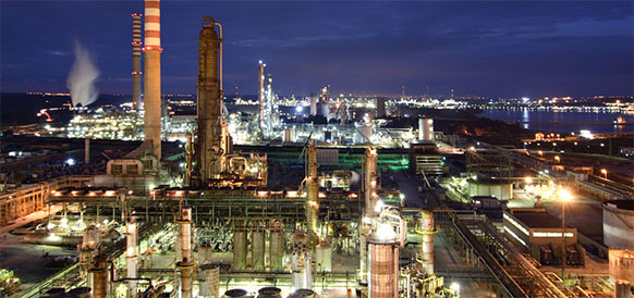 SOCAR exploring Lukoil's oil refinery complex in Italy