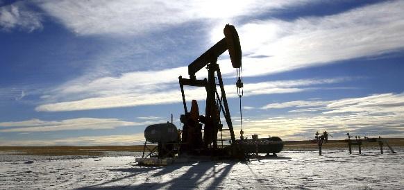 Страны ОПЕК вновь превысили собственную квоту на добычу нефти и увеличили долю в мировой добыче