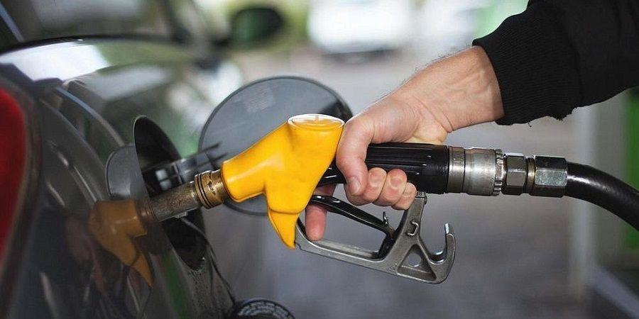 Бензин Аи-95 подорожал на бирже на 4,6 % с начала мая