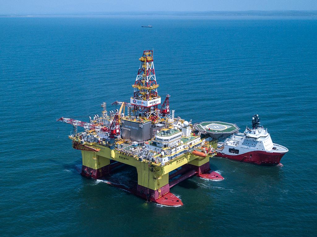 Перспективность применения комбинированного вида обустройства нефтегазовых месторождений на шельфе замерзающих морей