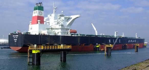 Иран снова начинает запасать нефть на своих танкерах