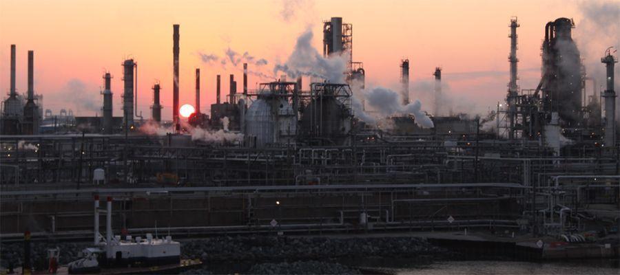 Россия остается одним из ведущих поставщиков нефти и нефтепродуктов в США