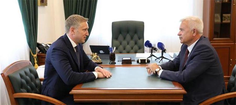 Почва для объединения? В. Алекперов обсудил с главой НАО социальную работу ЛУКОЙЛа в регионе
