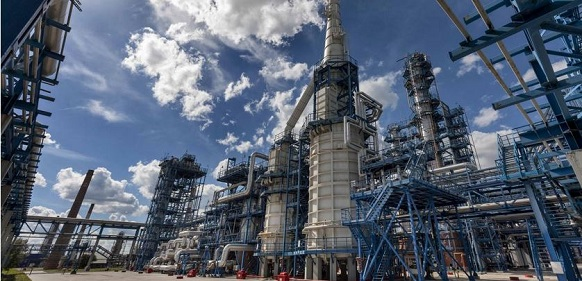 Хабаровский ХНПЗ начал выпуск бензина марки Аи-98 стандарта Евро-5
