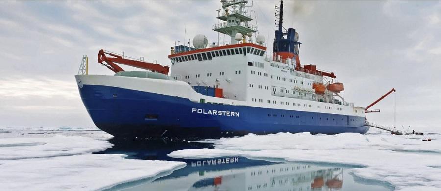 Арктика. Западные полярники вморозили в лед ледокол Polarstern для ...