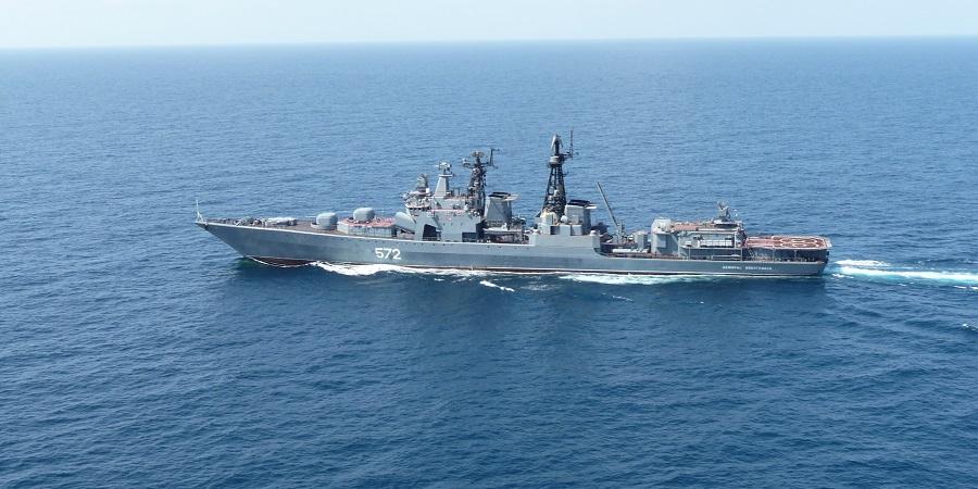 Боевые корабли РФ направлены на спасение терпящего бедствие в Индийском океане нефтеналивного танкера