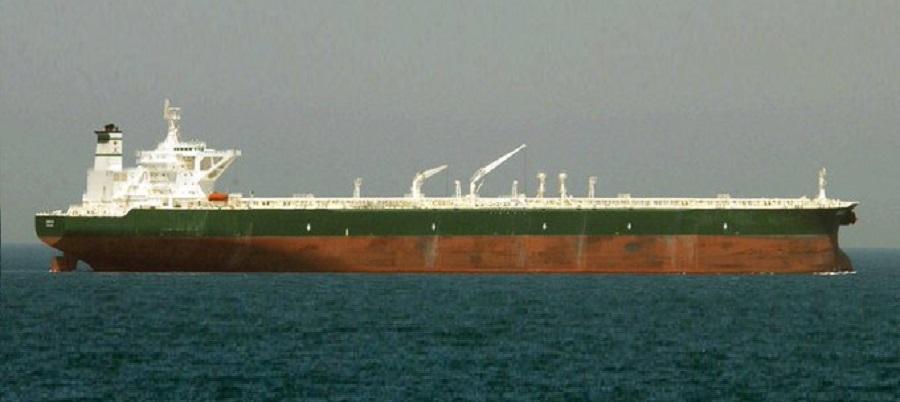 Венесуэла отгружает нефть на иранский танкер для продажи в Азии