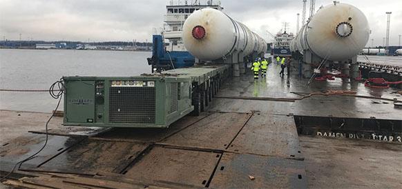 В порт Усть-Луга прибыли адсорбционные колонны для компрессорной станции Газпрома. Операция по выкатке была сложной