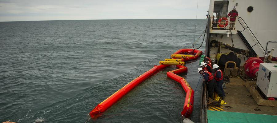 В России планируют построить нефтемусоросборщик для флота