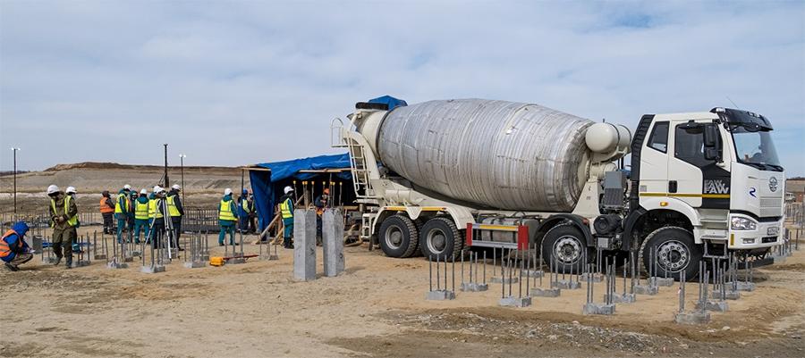 В основания фундаментов на Амурском ГХК залиты первые кубометры бетона