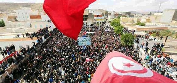 Протесты в Тунисе привели к более чем 2-кратному уменьшению добычи нефти и 3-кратному снижению доходов
