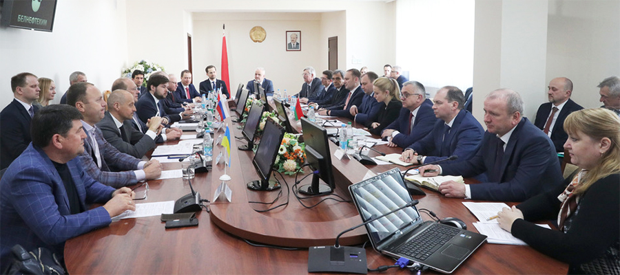 Технично. Участники переговоров в г. Минск выработали техническое решение по восстановлению транзита российской нефти по нефтепроводу Дружба
