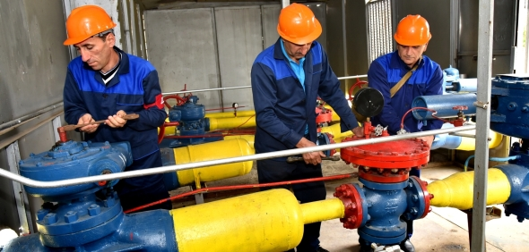 Armenian government to negotiate price of Russian natural gas in November