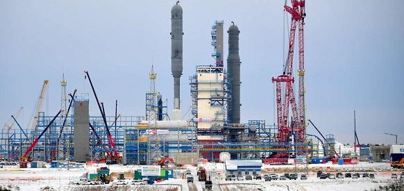 Газпром выдал гарантии до 3 млрд евро по займу Intesa на стройку Амурского ГПЗ
