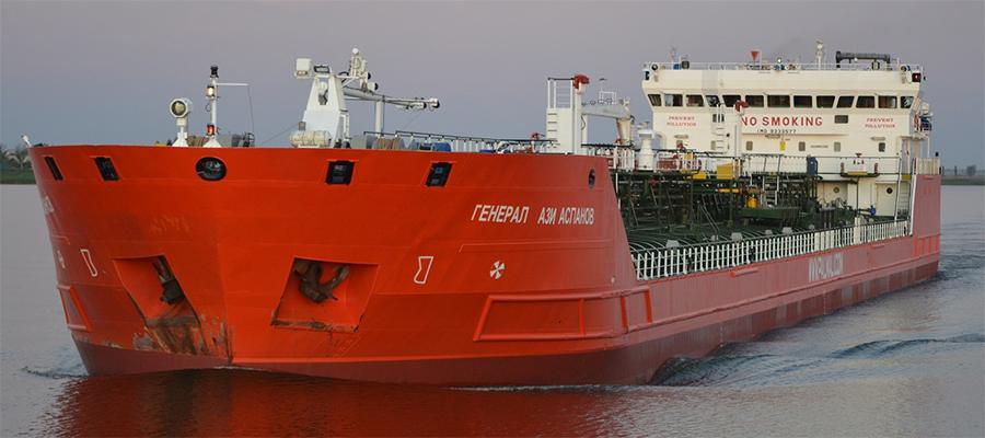 На танкере Генерал Ази Асланов в Азовском море произошел взрыв