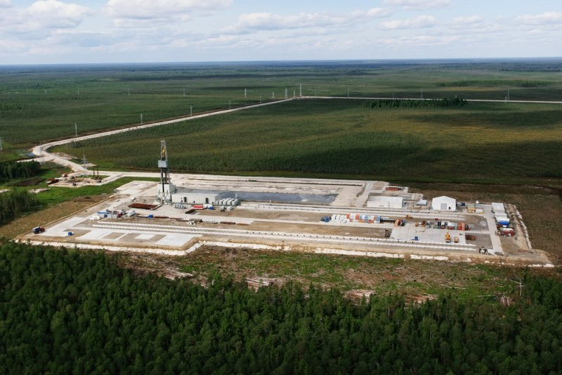 В ХМАО добыча нефти в 2015 г снизилась почти на 3%