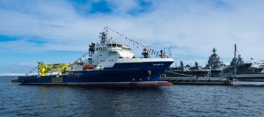 Судно «Эльбрус» принимает участие в экспедиции Северного флота и Русского географического общества в Баренцевом море