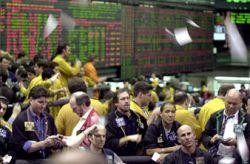 Инвесторы уходят из нефти в золото?