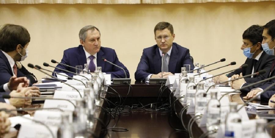 А. Новак представил нового министра энергетики Н. Шульгинова коллективу Минэнерго