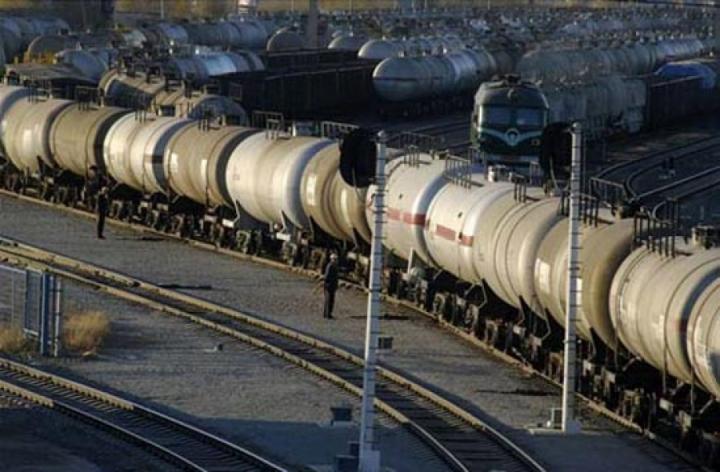 О. Пахолков: Инициативу о запрете экспорта нефти поддерживает 85% населения страны